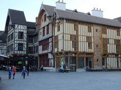 Sideways me inspirou a viajar pela França e conhecer a região dos vinhos. Preparei minha mala e planejei detalhadamente uma viagem de 15 dias pela França de carro. Minha intenção não era só percorrer a Borgonha mas aquilo que os dias , a vontade e a quilometragem deixasse.http://www.pan-horamarte.com.br/blog/entre-vinhos-e-historia-de-champagne-a-borgonha-em-carro/