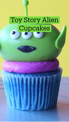 Fun Baking Recipes, Sweets Recipes, Cupcake Recipes, Cupcake Cakes, Cooking Recipes, Halloween Food For Party, Halloween Treats, Comida Disney, Delicious Desserts