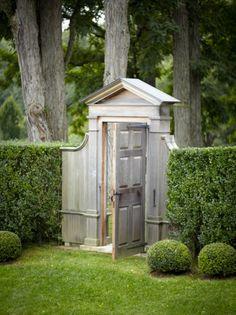 decordesignreview:  door in the garden ~ Paul Costello photo