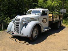 1938 Diamond T.