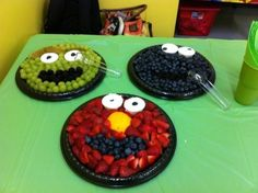 53 Super Ideas fruit tray ideas for party kids sesame streets Elmo First Birthday, Monster Birthday Parties, Elmo Party, Birthday Ideas, Toddler Birthday Parties, Baby Birthday, 21 Day Fix, Sesame Street Party, Sesame Street Birthday Party Ideas