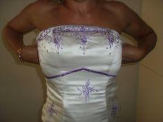 Robe de mariée avec traîne en satin authentique et peigne pas cher en 2013