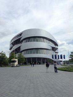 Mercedes-Benz Museum , Stuttgart