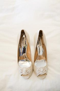 These would be so sweet, gorgeous Badgley Mischka heels - Weddings