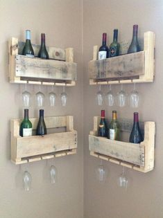 Best Budget Friendly DIY Pallet Shelves and Racks for Books and Bottles Einrichtung - diy pallet creations Wooden Pallet Projects, Pallet Crafts, Wooden Pallets, Wooden Diy, Diy Projects, Project Ideas, Recycled Pallets, Pallet Wood, Pallet Signs