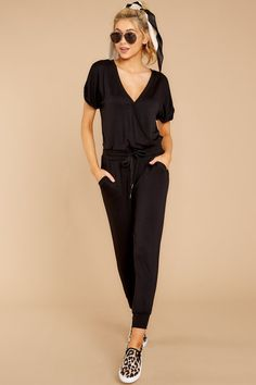The Black Wrap Front Jumpsuit – Hijab Fashion 2020 Jumpsuit Hijab, Jumpsuit Outfit, Casual Jumpsuit, Black Jumpsuit, Dress Black, Hijab Casual, Casual Wear, Jumpsuit Pattern, Trendy Clothes For Women