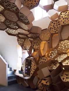 http://www.Mahakobees.com Interesting piece of art - INDOOR BEEHIVE