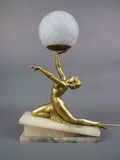 Kneeling Lady Lamp