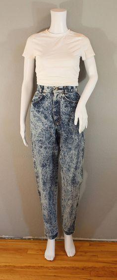 e698c7b3da92d Vintage acid wash jeans  waist 24 chic jeans