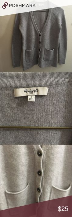 """Madewell Gray Cardigan Merino Wool Button Down Super soft, well fitted gray cardigan! 19"""" Armpit to Armpit 25"""" Length Great Fall Must Have No pulls or piling Madewell Sweaters Cardigans"""