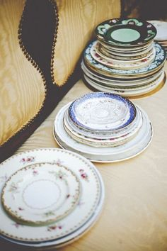Poking through old furniture, stumbling on vintage gems and turning the corner to face a used piece of art that looks like it was made just for your home — the thrills of thrift shopping are plentiful. If you plan on staying away from the crowds chasing sales and want to get your thrift on during this three-day holiday weekend, we've gathered our favorite tips, ideas and inspiration so you have your best, most awesome thrift adventures yet!