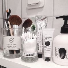Bathroom storage | @fouremptywalls