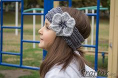 Knitted headband with flower. Free pattern.