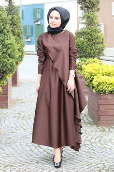 Clsema Kahve Elbise – Fashion and Street Styles on Internet Abaya Fashion, Muslim Fashion, Modest Fashion, Fashion Dresses, Modest Dresses, Modest Outfits, Casual Dresses, Hijab Evening Dress, Hijab Dress Party