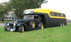 vipertruck99:  A new level of hotrod awesome has been discovered..