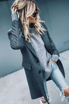 kuscheliges Herbstoutfit / grauer Pullover + Mantel + Jeans im Used-Look Source by Winter Outfits For Teen Girls, Simple Winter Outfits, Winter Fashion Casual, Autumn Winter Fashion, Winter Style, Winter Fashion Styles, Casual Fall, Comfy Casual, Style Summer