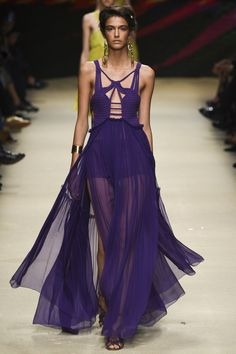 4612d626488 Alberta Ferretti Spring 2016 Ready-to-Wear Fashion Show