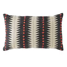 Bedding_Pillow_Pom_BK_LL