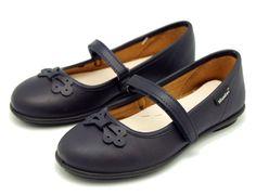 Tienda de Merceditas Colegiales de Piel Lavable con Velcro y lazo. Disponemos de la mayor oferta del mercado de zapato colegial hecho en España. Envíos Gratis. 24,48 horas laborables.