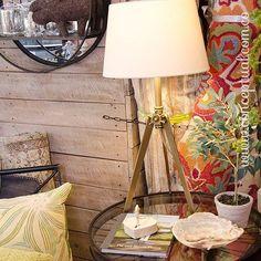 Ilumina tus espacios con esta delicada y sofisticada lámpara. Esto y mucho más lo encuentras en tu lugar preferido, ¡ #Conceptual ! Visítanos en #IndianaMall local 164 Medellín y explora www.conceptual.com.co  #interiordesign #home #style #decor #decoración #espacios #ambientes #diseño #muebles #mobiliario #bedrooms #serenespaces #naptime #MiEstiloConceptual #musthave