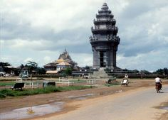 Independence Monument (Vimean Ekareach) in capital of Cambodia Phnom Penh devoted to those who died in Cambodian War of Independence. Inauguration: November 9, 1962 Architect: Vann Molyvann  Engineer: In Kieth