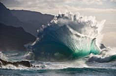 National Geographic, Awesome Wave!