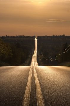 hit the open road Beautiful Roads, Beautiful Places, Imagen Natural, The Road Not Taken, Background Hd Wallpaper, Back Road, Winding Road, All Nature, Roadtrip