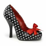 polkadots pumps with a red bow, so cute!