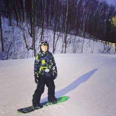 """Great night to try out #snowboarding for the first time! #nightskiing #getoutandplay #visitbarrie #snowvalley #horseshoeresort #mountstlouis #visitbarrie…"""