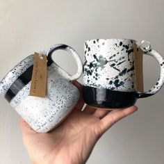 Great Cost-Free Ceramics Bowls ceramica Tips Just when was some sort of cooking pot all set to lean or maybe change? The idea is not easy to pres Ceramic Clay, Ceramic Bowls, Ceramic Design, Cute Mugs, Pottery Mugs, Coffee Mugs, Decoration, Tableware, Gold Wedding Crowns