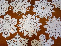Winter ~ Advent ~ Week One: The Light of Crystal & Stone ~ Paper Snowflakes ~ Links to Templates