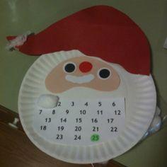 Santa Christmas Countdown. Glue one cotton ball each day to fill Santa's beard.