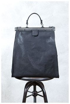 the poetry of material things Leather Purses, Leather Bag, Black Leather, Closet Accessories, Fashion Accessories, Accessoires Divers, Frame Bag, Boho Bags, Leather Briefcase