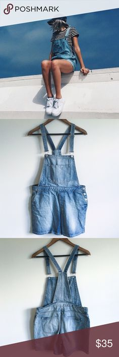 •Topshop Moto Short Denim Overalls• Denim overalls are my favorite. Make the transition into fall with these babies.   →Color/Pattern: Blue Denim Overalls →Size: 28  →Worn once →Cover photo found on Pinterest  →No trades(comments will politely be ignored). →15% off 2+ items  Topshop Jeans Overalls