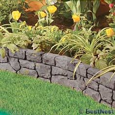 Garden edging ideas add an important landscape touch. Find practical, affordable and good looking edging ideas to compliment your landscaping. [SEE MORE] Backyard Garden Landscape, Small Backyard Gardens, Landscape Edging, Garden Edging, Garden Borders, Small Gardens, Garden Paths, Outdoor Gardens, Side Garden