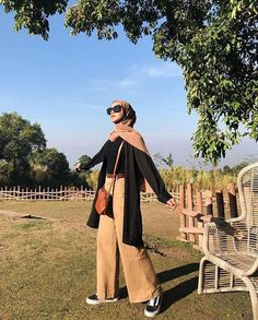 Fashion Tips Dresses .Fashion Tips Dresses Hijab Casual, Modest Fashion Hijab, Modern Hijab Fashion, Street Hijab Fashion, Hijab Fashion Inspiration, Hijab Chic, Muslim Fashion, Fashion Outfits, Fashion Tips