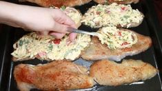 Chicken breasts are mouth watering no matter how they are cooked, but putting cheese on a rooster breast is the winning flavor in my eyes. Yummy Chicken Recipes, Yum Yum Chicken, Turkey Recipes, Healthy Recipes, Italian Chicken Dishes, Nutritional Yeast Recipes, Galo, Breast Recipe, Coq