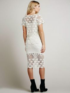 Fonte:  http://www.clothing-style.com/apparel/auguste-carolines-crochet-fever-dress-set/