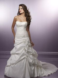 A Line Princess Strapless Chapel Train wedding dress for brides 2010 Style(WD0281)