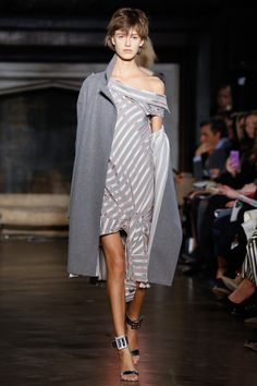 Monse Fall 2016 Ready-to-Wear Fashion Show http://www.theclosetfeminist.ca/ http://www.vogue.com/fashion-shows/fall-2016-ready-to-wear/monse/slideshow/collection#12