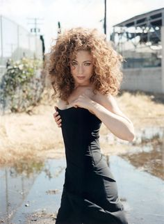 Alex Kingston (River Song - Doctor Who) : Just look at this woman. So gorgeous! Pretty People, Beautiful People, Beautiful Females, Beautiful Redhead, Doctor Who Companions, Alex Kingston, Bollywood, Pin Up, Season 8