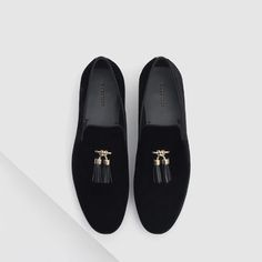 Image 3 of VELVET LOAFERS WITH TASSELS from Zara
