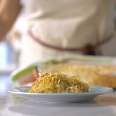 Confira a receita de Galinha Escabelada do Tastemade Brasil Healthy Sausage Recipes, Slow Cooker Steak, Good Meatloaf Recipe, Tasty, Yummy Food, Portuguese Recipes, Winter Food, Diy Food, Food Dishes