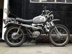 E3 | 125cc's of 2 Vintage 2 Stroke Radness. The Hodaka...