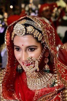 Indian Bridal Jewelry Sets, Bridal Jewelry Vintage, Bridal Bangles, Indian Bridal Makeup, Indian Bridal Outfits, Indian Bridal Fashion, Indian Bridal Wear, Indian Fashion Dresses, Bridal Jewellery
