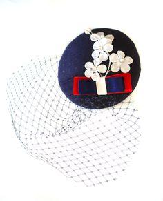Headpieces & Fascinators - Hütchen maritim blau rot weiss Schleier navy Seide - ein Designerstück von billies bei DaWanda