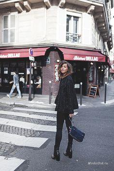 Тонкий стиль французский дам у всех на слуху. Это такое же устойчивое выражение, как швейцарские часы или английский чай. Мы не раз освещали уличный стиль модницы Zoé Alalouch, и сегодня пришла пора опять заглянуть на сайт милой девушки, чтобы посмотреть, ее образы в стиле кэжуал.