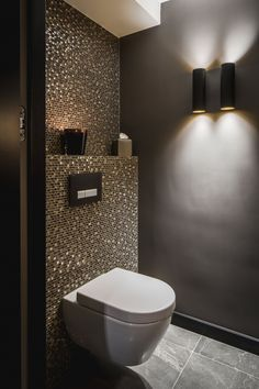 Amazing stunning decoration bathroom black white gold painting bathroom ideas brown fresh amazing red tile bathroom - Bad - Home Sweet Home Restaurant Bad, Restaurant Bathroom, Bathroom Toilets, Bathroom Wall, Bathroom Ideas, Bathroom Black, Bathroom Remodeling, Remodeling Ideas, Bathroom Lighting