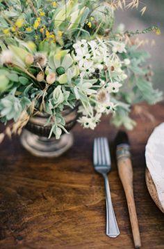 Delicate Provence Sunrise Wedding Ideas I Florals: Pearl & Godiva I Feather & Stone photography