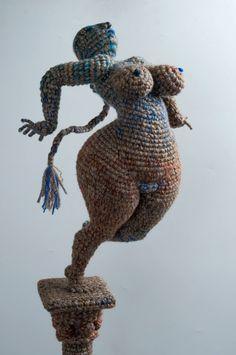 Artist of the day, March Yulia Ustinova, Russian crochet artist, sculptor Russian Crochet, Crochet Art, Love Crochet, Crochet Animals, Crochet Dolls, Crochet Patterns, Fun Illustration, Yarn Bombing, Soft Sculpture